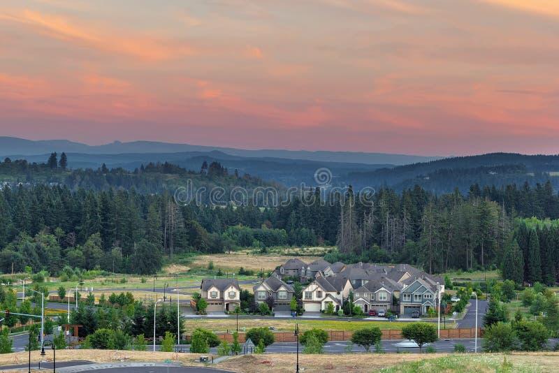 Neubauwohnungen-Entwicklung im glücklichen Tal Oregon lizenzfreie stockfotos