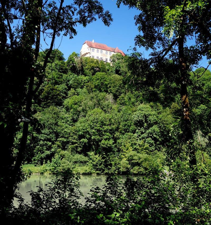 Neuburg kasztel na austerii rzece obraz stock