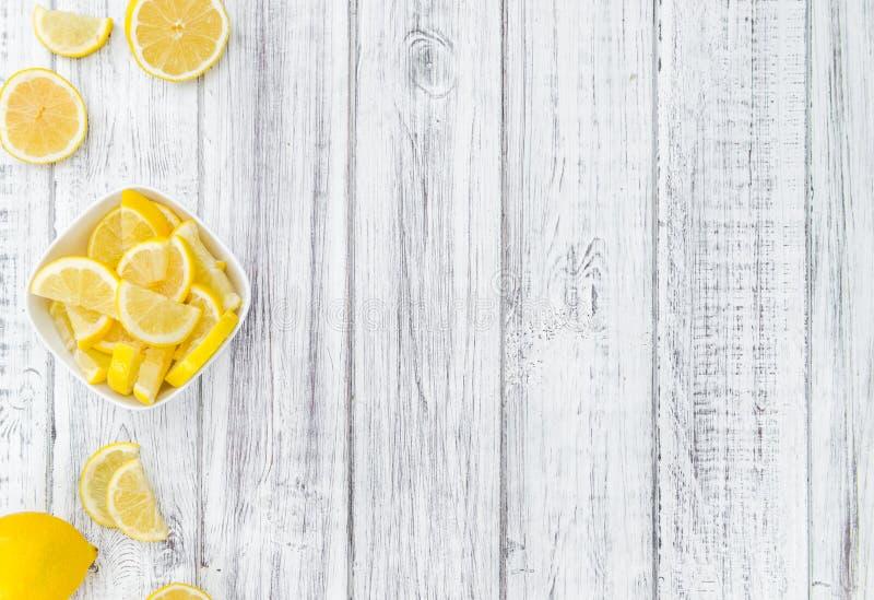 Neue gemachte Zitronen-Scheiben lizenzfreies stockfoto