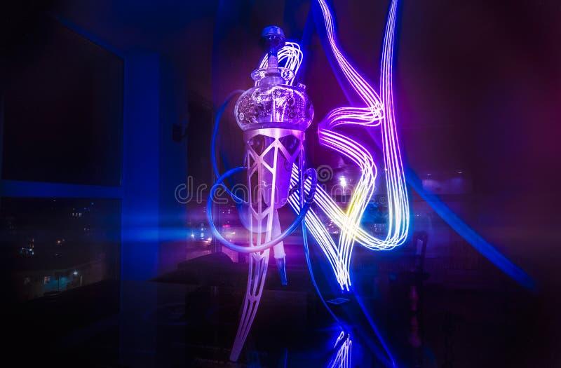 Neue Glashuka mit schöner Hintergrundbeleuchtung stockfoto
