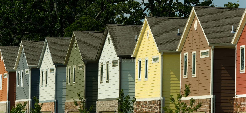 Neue Häuser lizenzfreie stockfotografie
