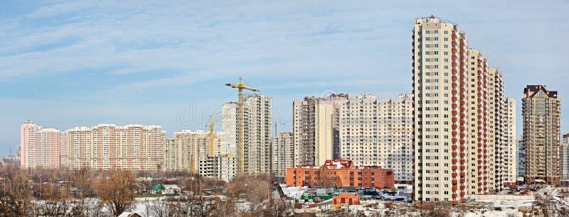 Neue hohe moderne Gebäude stockbilder