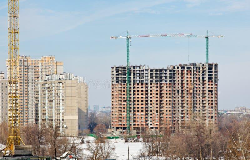 Neue hohe moderne Gebäude stockfotos