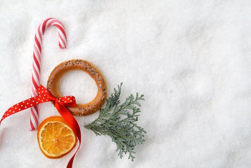 Download Neue Ideen, Das Haus Zu Verzieren Dieses Weihnachten  Niederlassungsbaum Und  Süßigkeit Auf Schnee