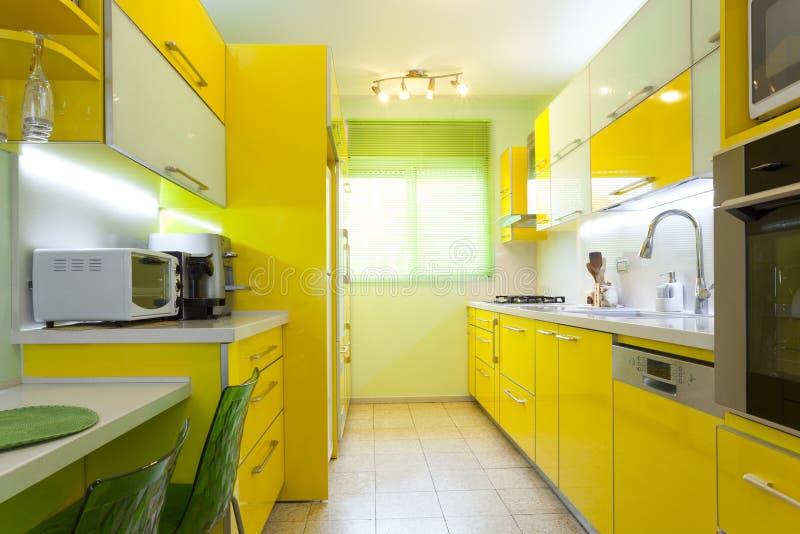Download Neue Küche In Einem Modernen Haus Stockfoto - Bild von dekor, frühstück: 27726682