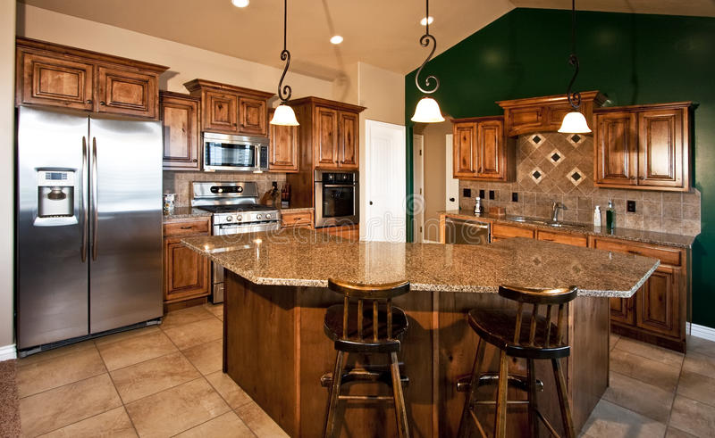 Neue moderne Hauptküche lizenzfreie stockbilder