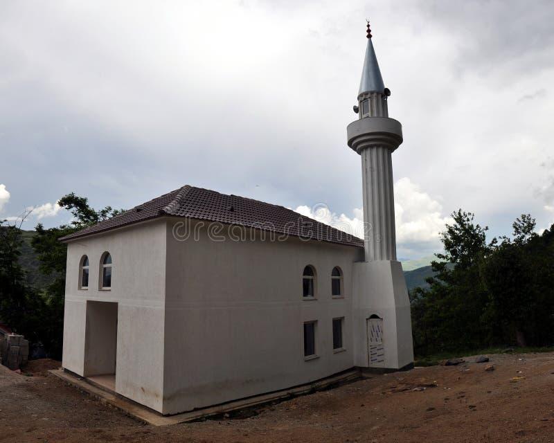 Neue Moschee in Oreshka-Dorf, nordöstliches Albanien lizenzfreies stockbild