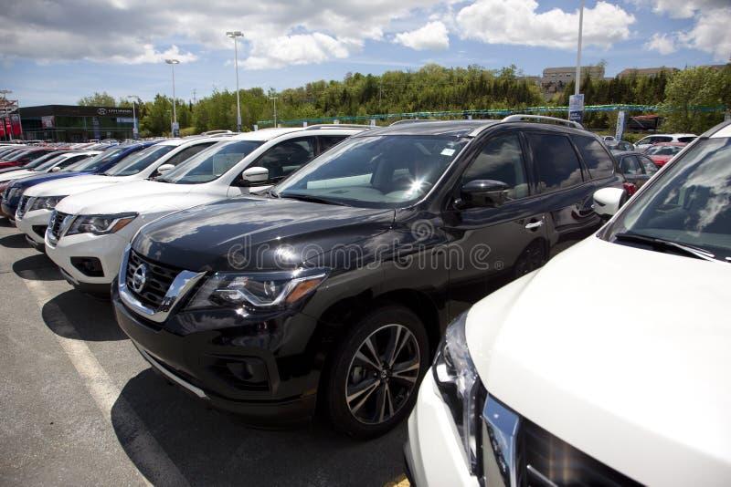 Neue Nissan Pathfinders stockfoto