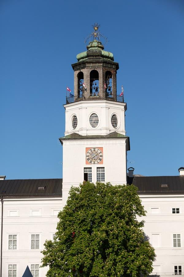 Neue Residenz尖沙咀钟楼在Salzbur 免版税库存照片