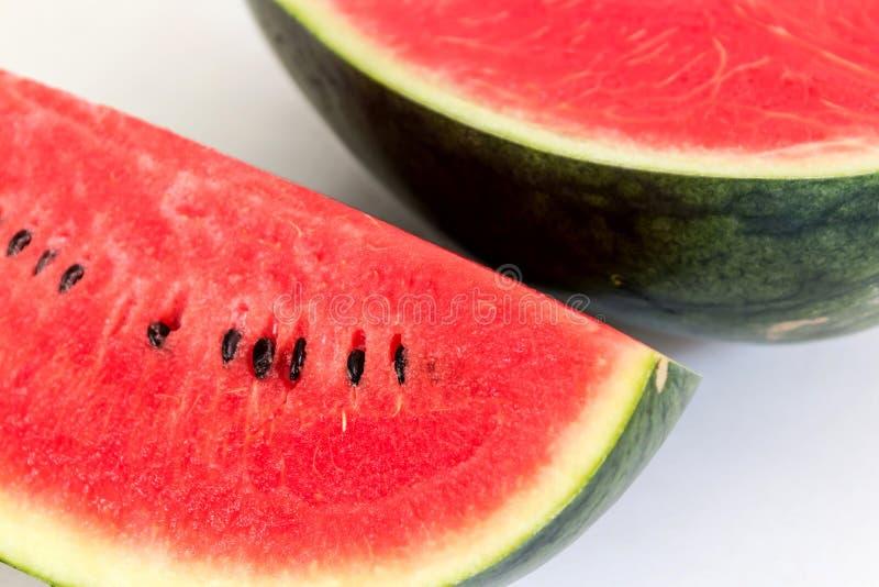 Neue Scheiben der reifen süßen Wassermelone stockfotografie