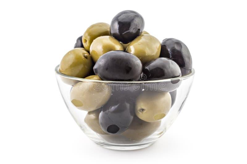 Neue schwarze und grüne Oliven lizenzfreies stockbild