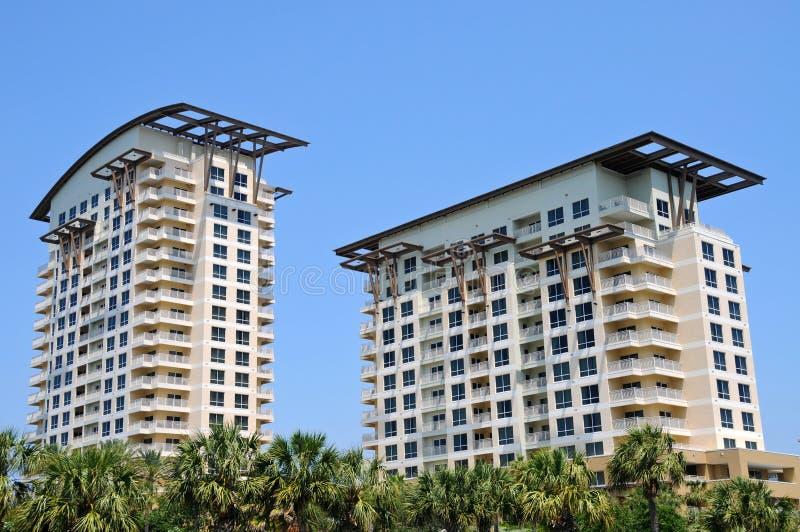Neue Strand-Eigentumswohnungen lizenzfreies stockbild