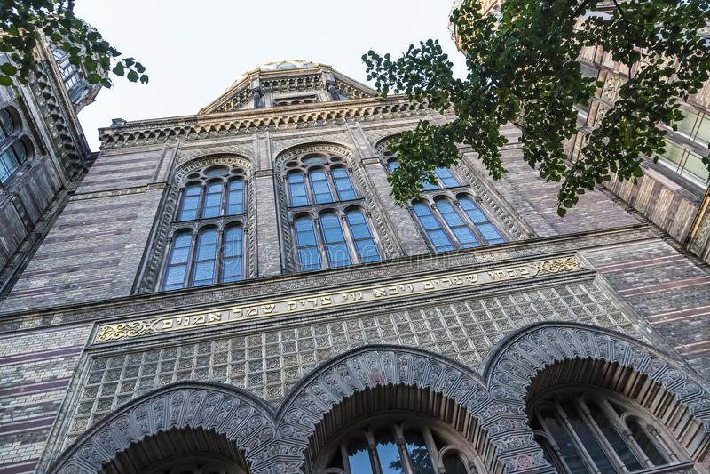 Neue Synagoge den nya synagogan i Berlin, Tyskland royaltyfri foto