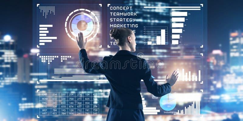 Neue Technologien und Innovationen als Methoden für effektives modernes Geschäft stockfotos