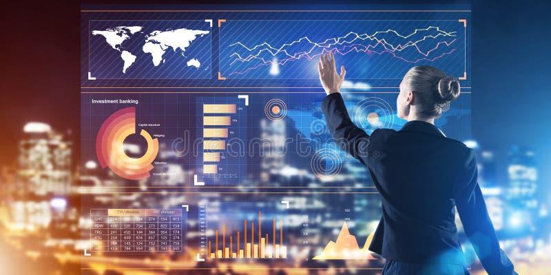Neue Technologien und Innovationen als Methoden für effektives modernes Geschäft lizenzfreie stockfotografie