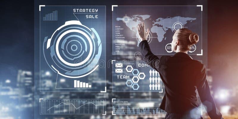 Neue Technologien und Innovationen als Methoden für ein effizientes modernes Unternehmen lizenzfreie stockbilder