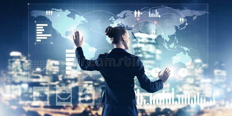 Neue Technologien und Innovationen als Methoden f?r effektives modernes Gesch?ft stockfoto