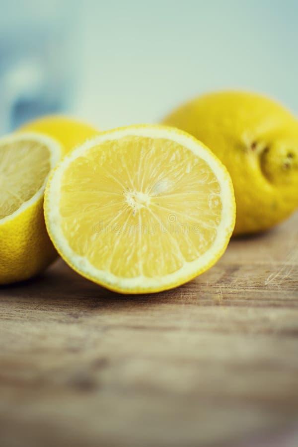Neue Zitronenscheiben lizenzfreie stockfotos