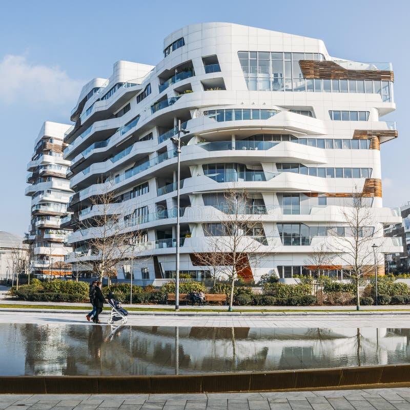 Neuer Bezirk CityLife in Mailand mit den modernen und luxuriösen residencial und Unternehmensgebäuden Hadid-Wohnsitze stockbild