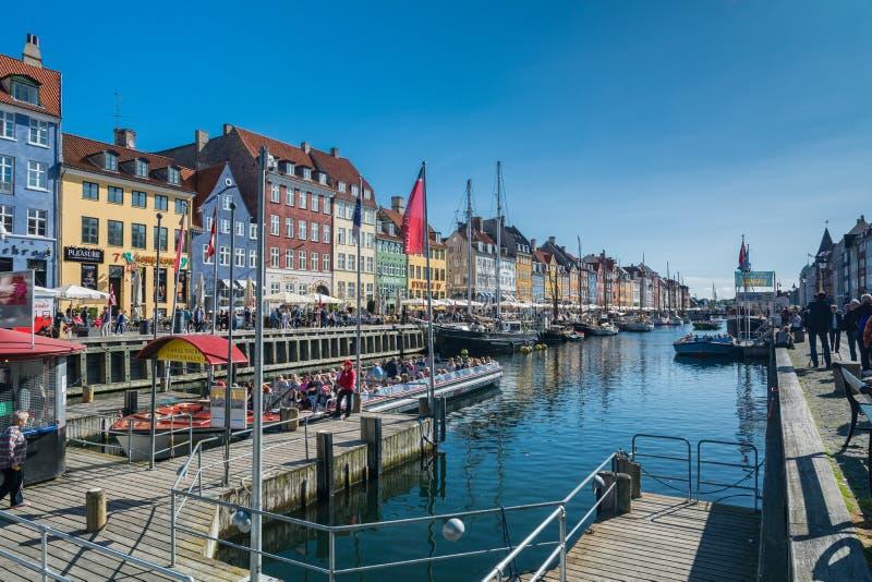 Neuer Hafen Nyhavn in Kopenhagen stockbild