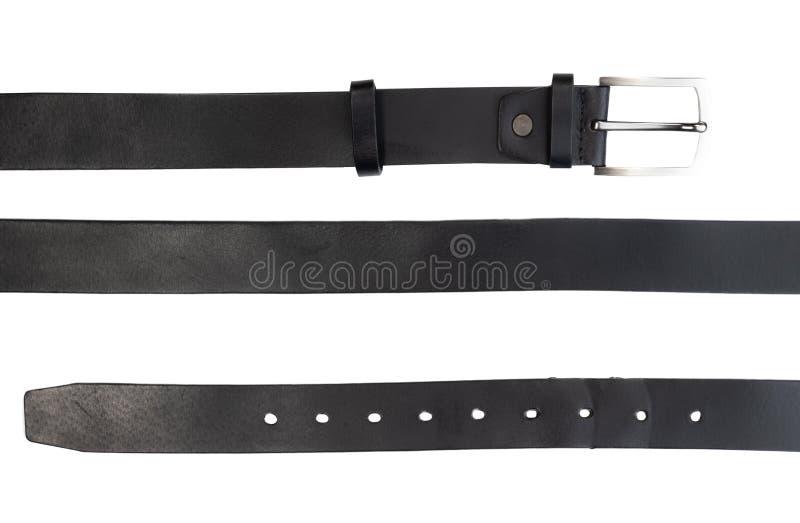 Neuer schwarzer Ledergürtel auf Weiß lizenzfreie stockfotografie