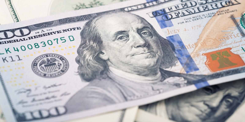 Neues amerikanisches Geld der Nahaufnahme hundert Dollarschein Benjamin Franklin-Porträt, wir 100-Dollar-Banknotenfragmentmakro stockbild