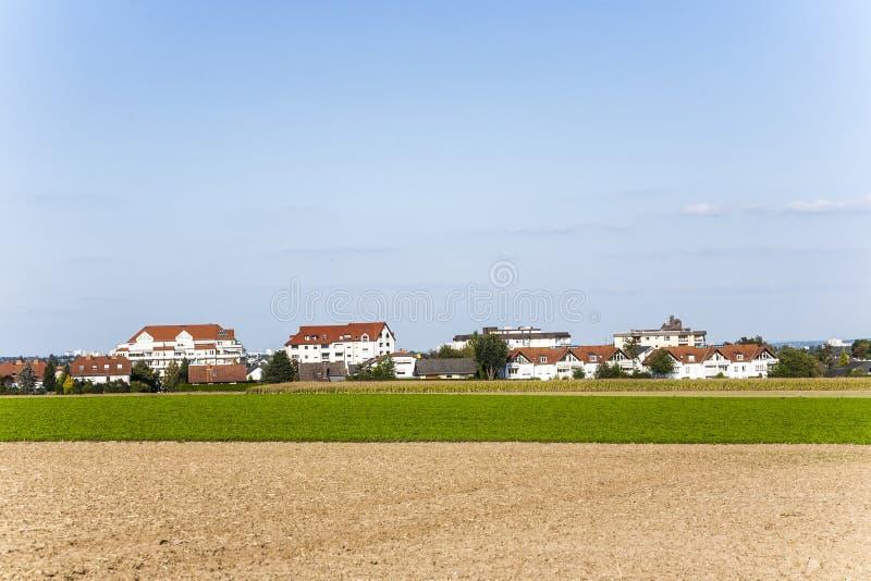 Neues aufgebautes Wohngebiet in schönem stockfoto