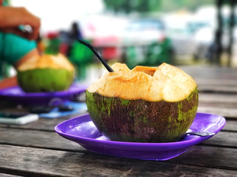 Neues gesundes Kokosnussgetränk lizenzfreies stockfoto