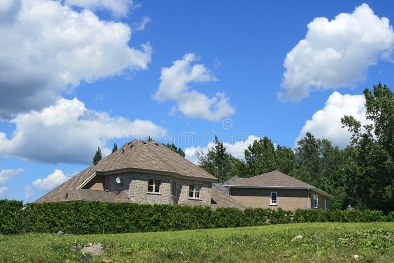 Neues großes Haus lizenzfreie stockfotos