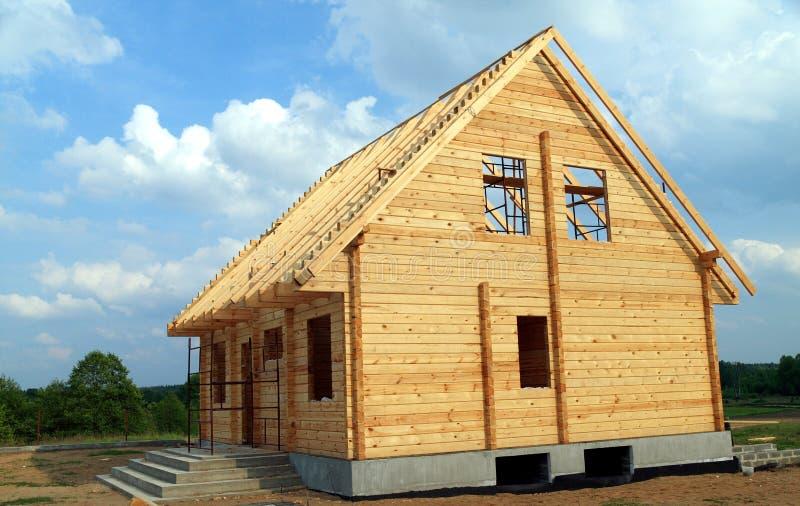 Neues hölzernes Haus stockfoto