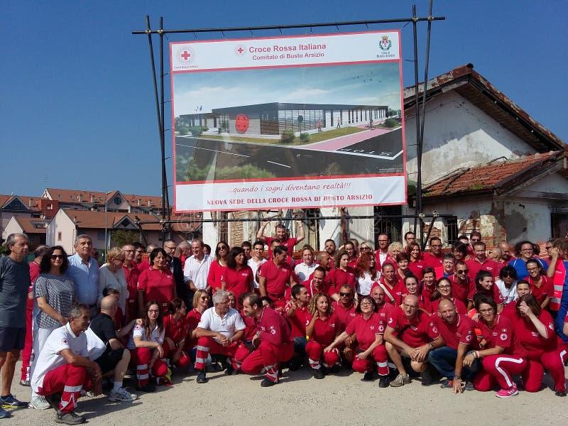 Neues Haus des italienischen roten Kreuzes in Busto Arsizio lizenzfreie stockfotografie