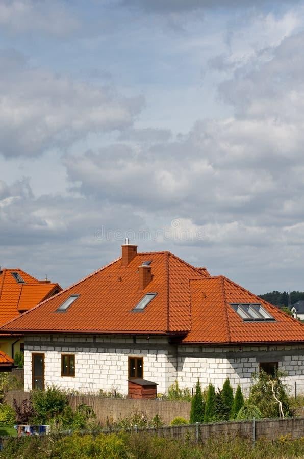 Neues Haus fast betriebsbereit stockfoto