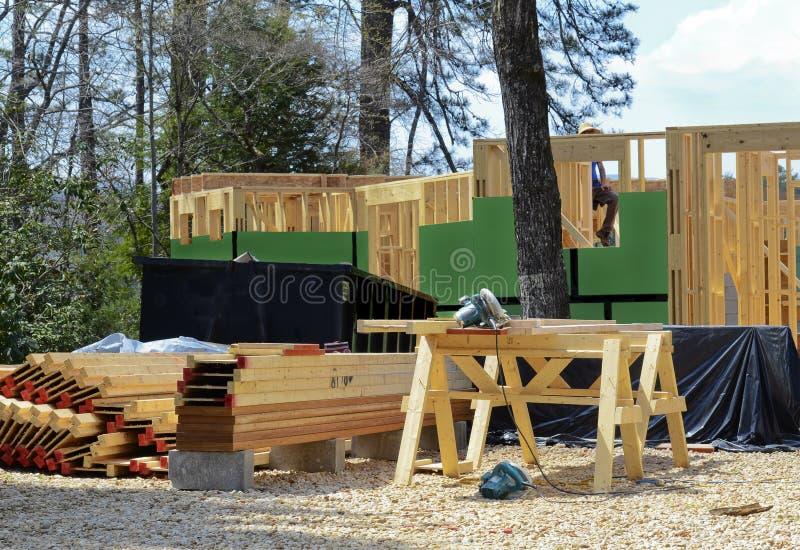Neues Haus im Bau lizenzfreie stockfotos