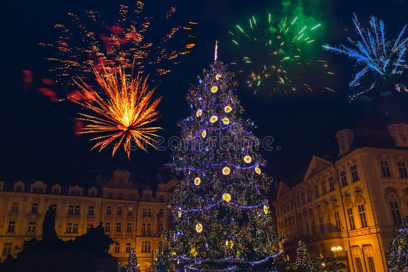 Neues Jahr Prags ` s Feuerwerke 2018 stockbilder