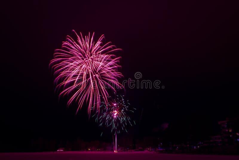 Neues Jahr ` s Feuerwerke Foto von Finnland lizenzfreies stockfoto