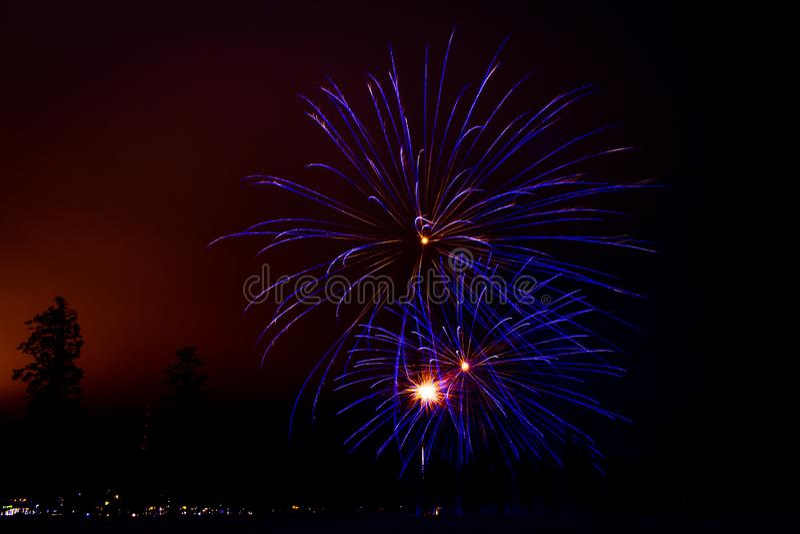 Neues Jahr ` s Feuerwerke Foto von Finnland stockfotografie