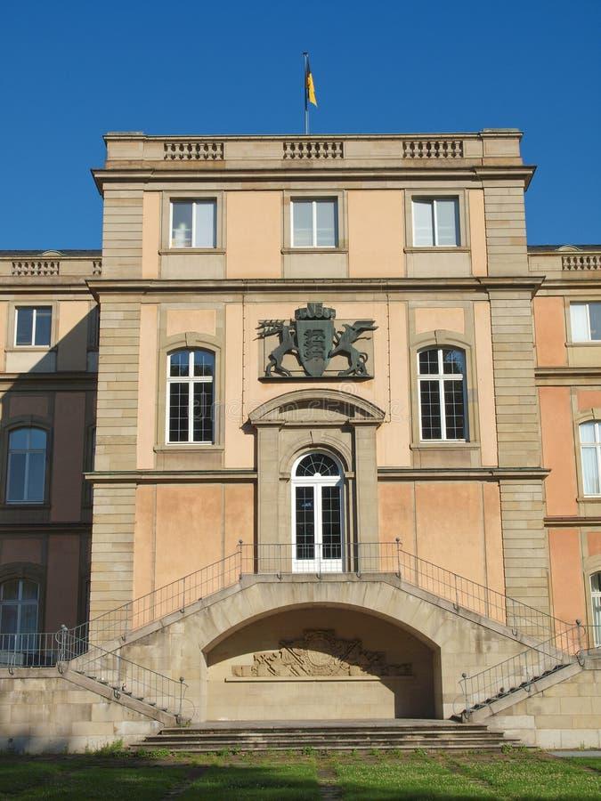 Neues Schloss (neues Schloss), Stuttgart lizenzfreie stockfotografie