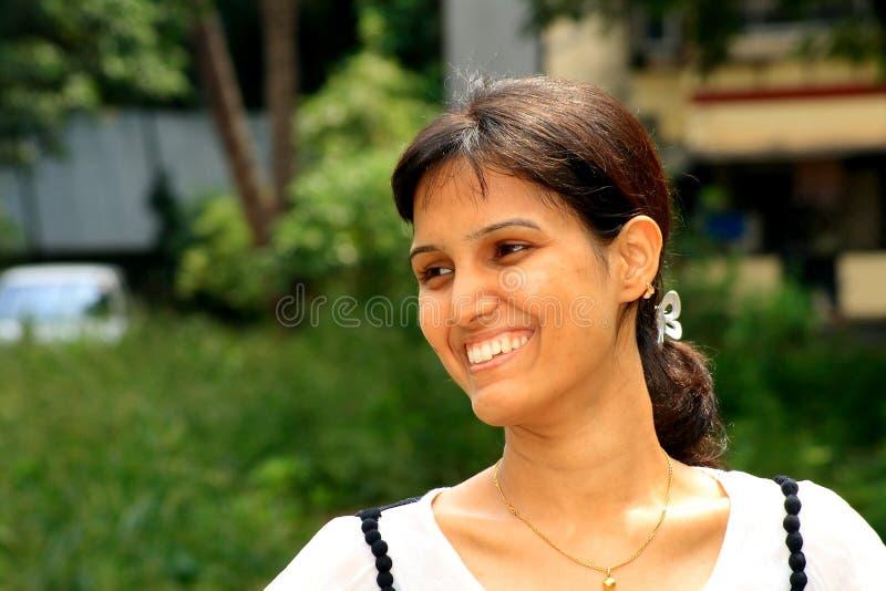 Neues und glückliches Lächeln stockbilder