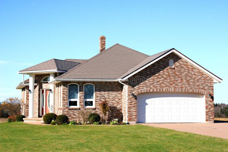 Neues Ziegelstein-Haus stockfoto