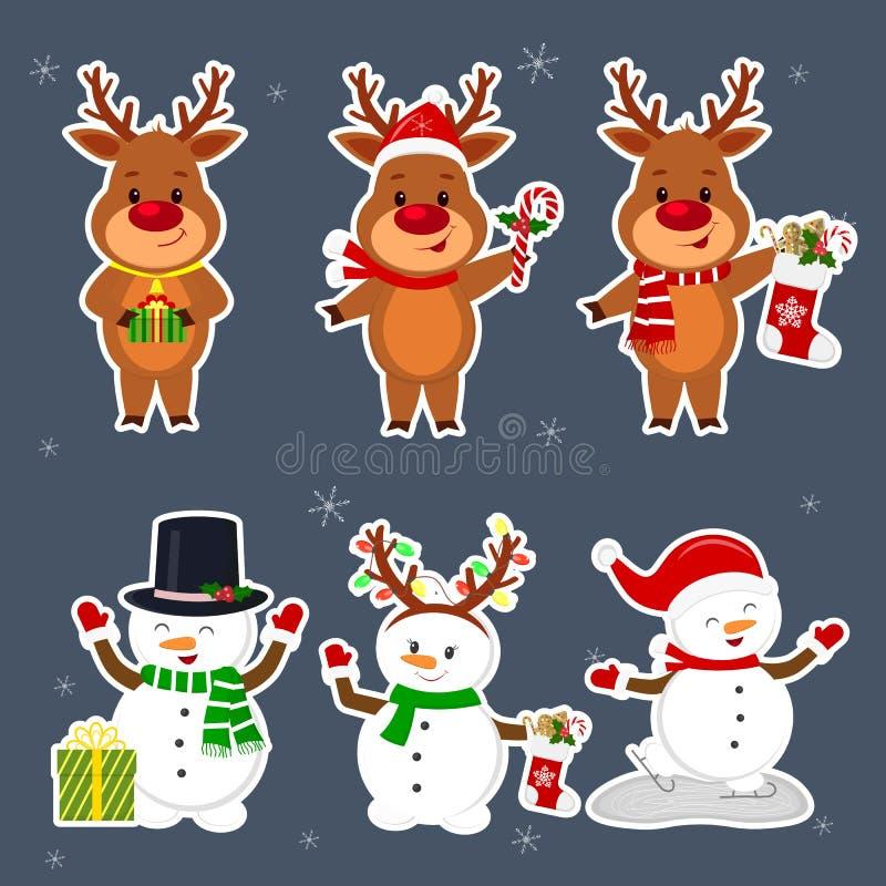 An neuf et carte de Noël Un autocollant réglé de trois bonhommes de neige et de trois caractères de cerfs communs dans différents illustration libre de droits