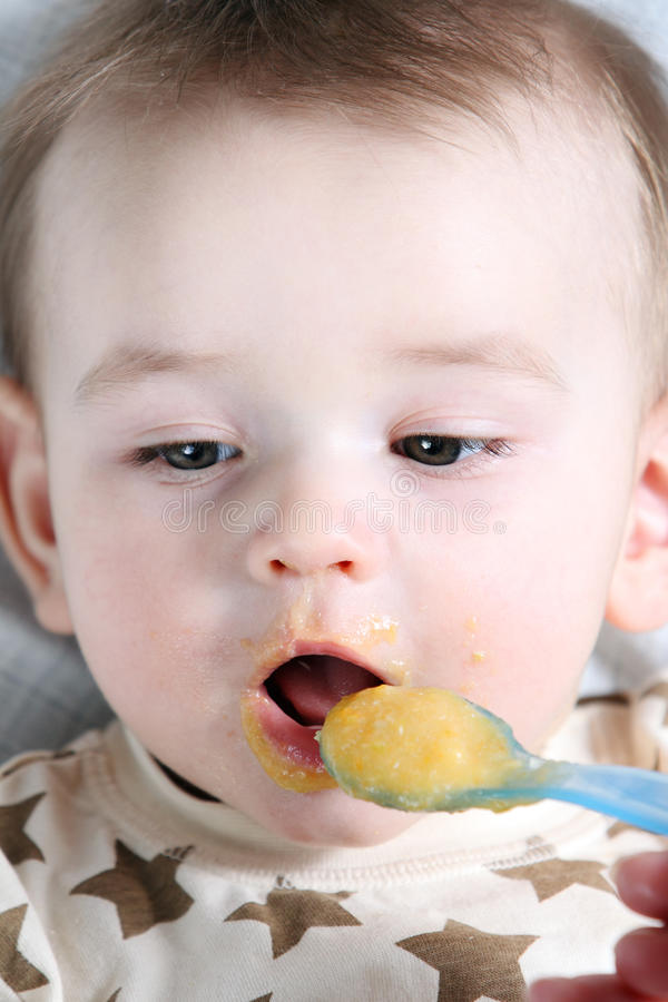 Neugeboren lizenzfreie stockfotografie