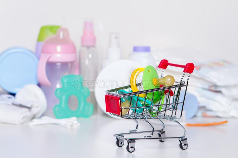 Neugeborene Produkte des Kaufs stockfotografie