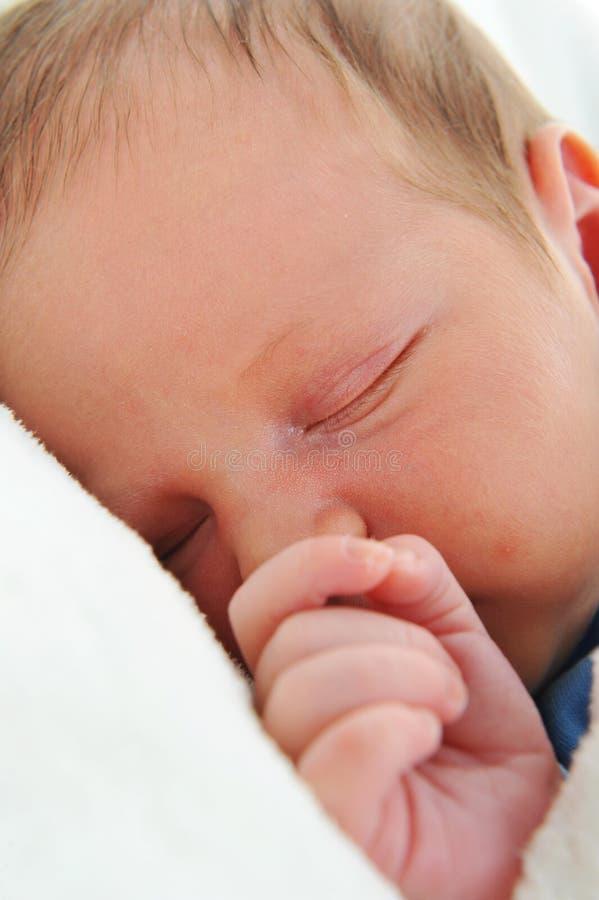 Neugeborenes nettes Schätzchen lizenzfreie stockbilder