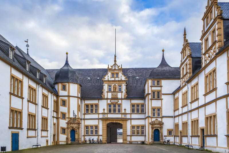 Neuhaus slott i Paderborn, Tyskland arkivfoto