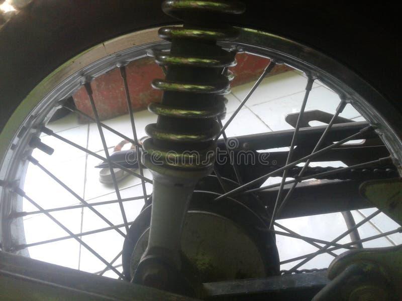 Neumático antiguo de la motocicleta fotos de archivo