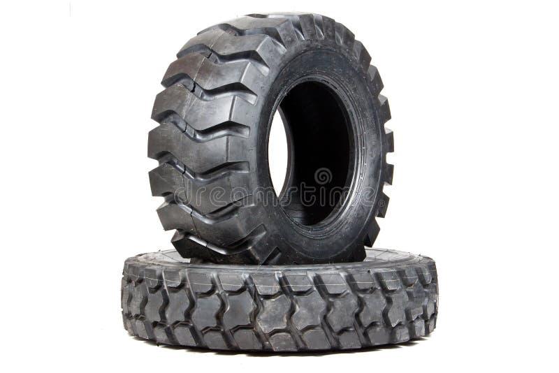 Neumático de coche aislado en el fondo blanco Neumático del camión aislado vaciado fotografía de archivo libre de regalías