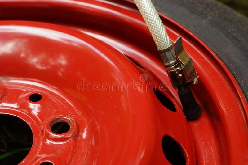 Neumático plano foto de archivo