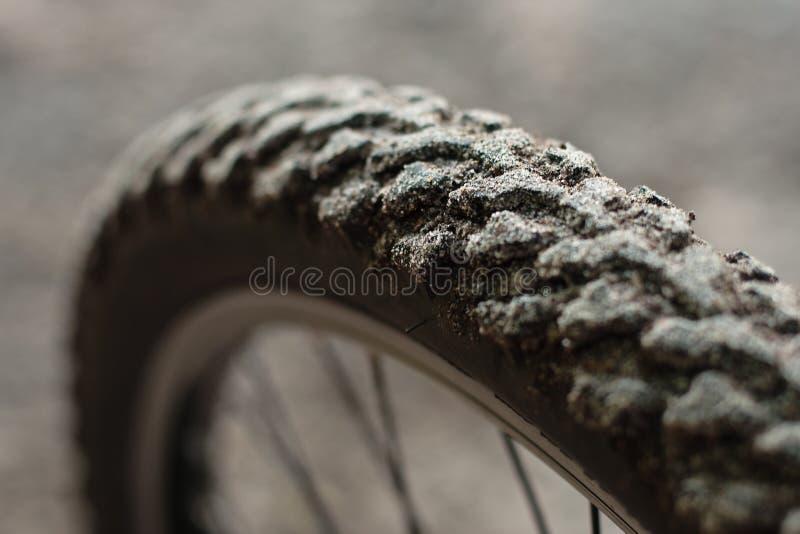 Neumático sucio de la bicicleta fotografía de archivo