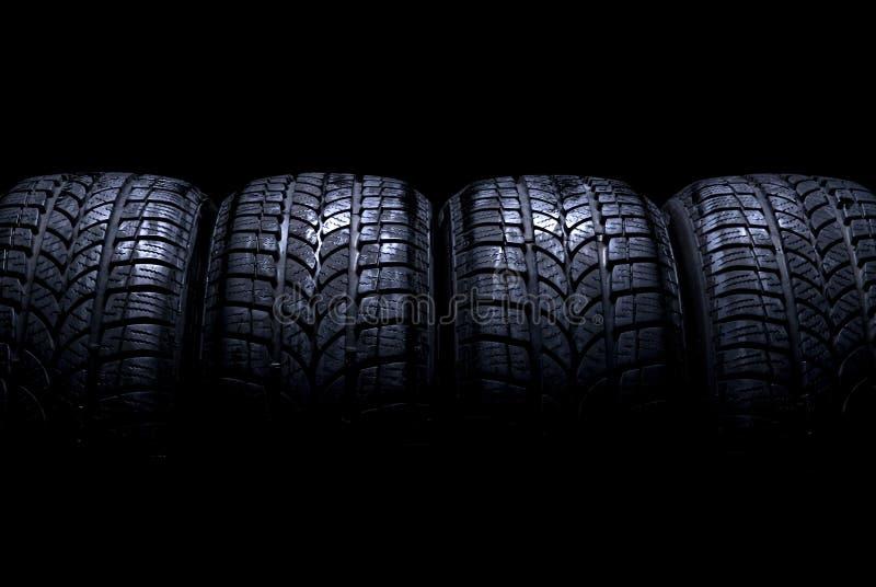 Neumáticos de coche imagenes de archivo