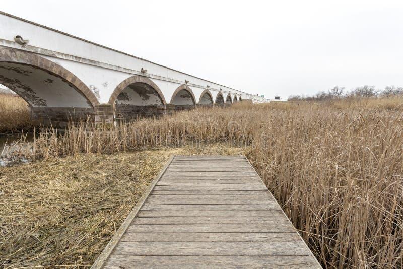 Neun-durchlöcherte Brücke in Ungarn stockfotografie
